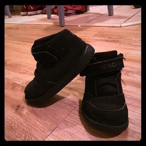Jordan's youth sneakers, black size 9c